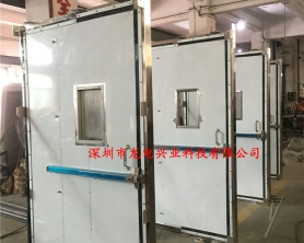 深圳**空间气膜38樘不锈钢疏散应急门,制作完成开始装箱